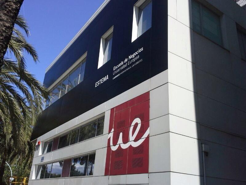 impresion gran formato fachada edificio universidad europea estema escuela de negocios
