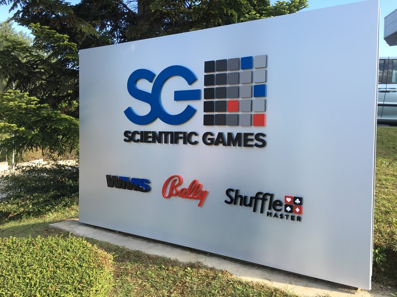 rótulo empresa scientific games letras corporeas