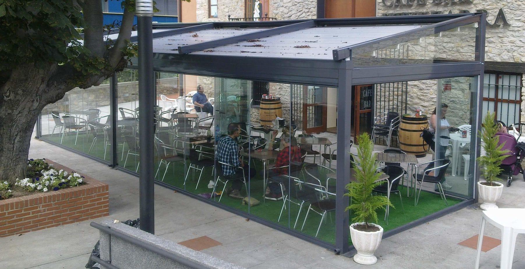 Toldos y cortina para locales restaurantes