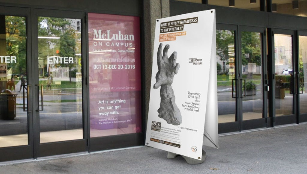 Displays Publicitarios exterior outdoor